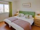 Twin Beds with green fabric headboard, Hamilton Bedsides O Pomar%16/17