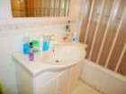Bathroom with tub, Excellent two bedrooms apartment, 8 minutes away from Lisbon, in Almada - Portugal Investe%10/11