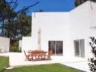 For sale 3 bedrooms villa, beautiful garden, in luxury condo, 20 minutes away from Lisbon - Portugal Investe%2/23