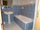 Bathroom with bath - One bedroom apartment with garage, in private condominium in Albufeira - Portugal Investe%7/10