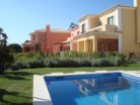 House 4 bedrooms with 200 m2, in a noble area of Estoril | 3 Bedrooms + 1 Interior Bedroom | 3WC
