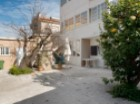 Detached house T6 in copper-Cascais, with 2 floors plus basement, in need of refurbishment | 6 Bedrooms | 4WC