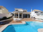 Luxury villa, modern architecture, 10 minutes walk from the historic center of Tavira | 4 Pièces | 5WC