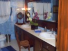 5 Bed house in Cadaval - 1st floor bathroom.JPG%8/15