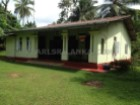 SIMPLE BUT NICE RENOVATED SRI LANKAN HOUSE IN MIIHIRIPENNA./GALLE/23.5 PERCHES(SQ.M 587.5) | 4 Bedrooms | 2WC