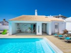 Detached single storey V4 in Albufeira with pool %4/28