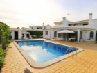 Detached 4 Bedroom Villa For Sale In Albufeira | 4 Habitaciones | 5WC