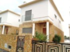 Detached villa, Type V4 + 2, with pool and total sea view.
