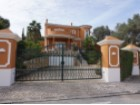 A detached 4/ 5 bedroom villa with private pool. | 5 Bedrooms | 4WC