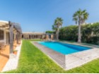 Lovely contemporary house with pool close to Albufeira in the Algarve.    | 3 Bedrooms | 3WC