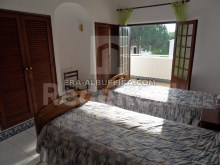 another double room of 6 bedroom pool villa in Albufeira, Algarve%15/32