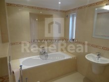 WC of Villa with sea view and pool in Algarve, Portugal%11/37