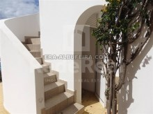 access of Villa with sea view and pool in Algarve, Portugal%34/37