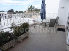 Balcony of Villa with sea view and pool in Algarve, Portugal%36/37