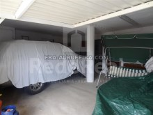 Garage of Villa with sea view and pool in Algarve, Portugal%37/37