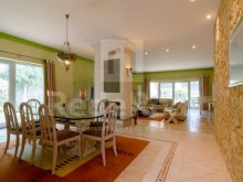 Dining room and be Luxury Villa T5 for sale in Algarve%8/28