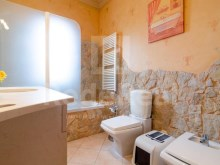 Full bathroom Luxury Villa T5 for sale in Algarve%12/28