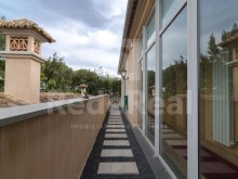 Exterior corridor Luxury Villa T5 for sale in Algarve%23/28