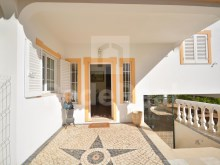 entrance to apartment 3 bedrooms for sale in Albufeira%3/21