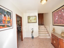 hall of House 4 sale in Albufeira%5/21