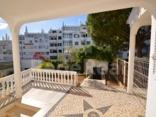 exterior of House 4 sale in Albufeira%11/21