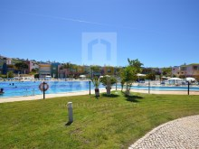 Communal pool for 1 bedroom apartment in Albufeira Marina %3/13