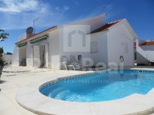 Villa for sale in Albufeira new, with swimming pool and garden.