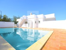 Villa for sale with pool and garage in Tunis the 15 min from the beach of Albufeira