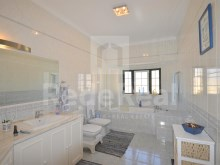 wc top of luxury villa for sale in the Algarve%17/22