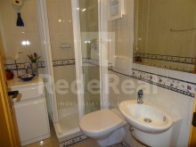 toilet 2 bedroom apartment with sea view in Albufeira%12/12