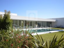 Contemporary Villa in the Algarve (Cliff)