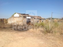 Property with ruins with a privileged ocean view for sale in Tavira.