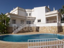 4 bedroom villa in privileged area of Albufeira