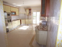 kitchen-4 bedroom villa in privileged area of Albufeira%7/29