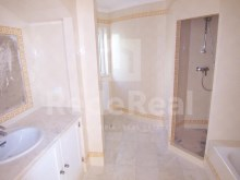 rdc room bathroom in suite-4 bedroom villa in privileged area of Albufeira%13/29