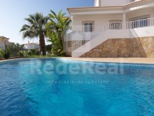 pool view V4 Villa in privileged zone of Albufeira%26/29