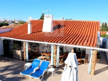 3 bedroom single storey villa for sale in Albufeira, Algarve.