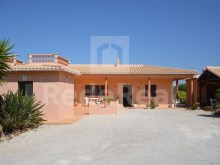 3 bedroom Detached Villa For SALE In PORCHES, Algarve