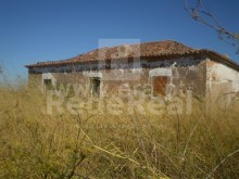 FARMHOUSE FOR SALE IN LAGOS, SÃO SEBASTIÃO