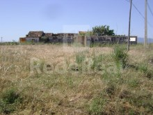 LAND WITH RUIN FOR SALE IN LAGOS