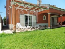 House 4 Bedrooms, CENTRAL For SALE In OLHÃO