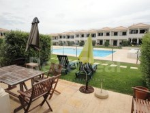 For Sale Villa with 3 Bedrooms in great shape in a condominium near Albufeira