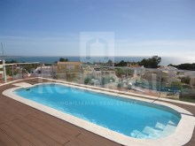 Excellent apartment for sale with 2 bedrooms close to several beaches.