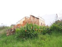 Ruin with 3000m2 of land near the beach in the Algarve%1/9