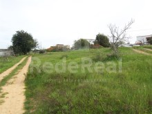 Ruin with 3000m2 of land near the beach in the Algarve%3/9