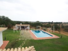 Farm for sale in Albufeira with 4 Ha