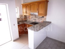 Kitchen counter one bedroom apartment in Albufeira%13/14