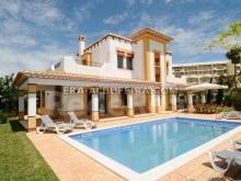 Villa with Arab-inspired architecture, garden and pool at 200 meters from the beach.  for sale in Albufeira in the Algarve