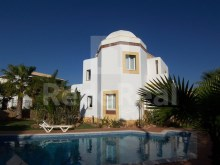 3 bedroom villa for sale in the Algarve, guide%1/32