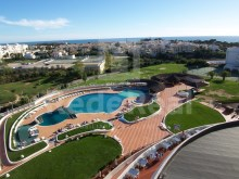 Apartment type Duplex Penthouse for sale in the Centre of Albufeira, totally South-facing with excellent panoramic sea views.